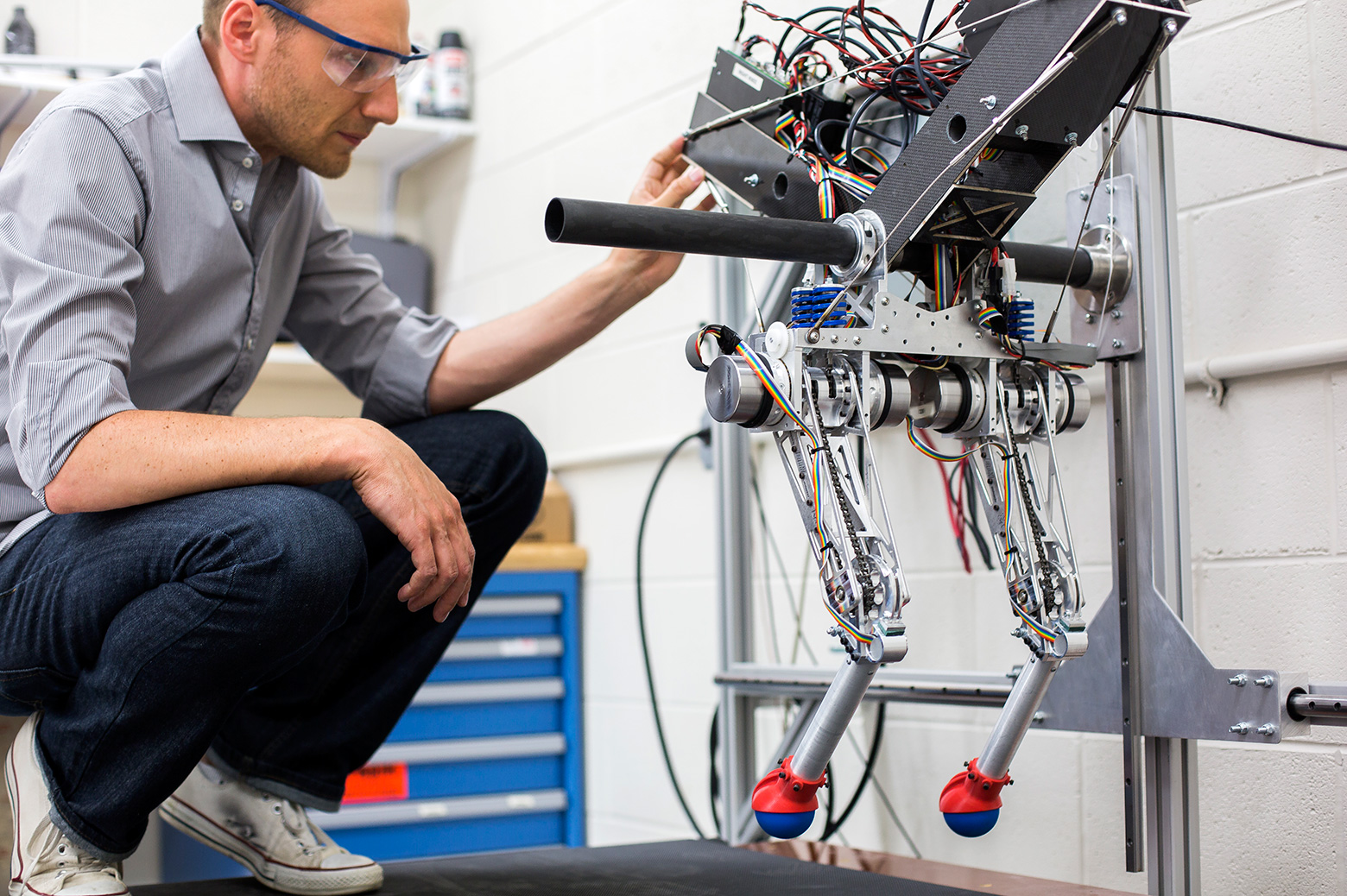a history of robots in the world of mechanical engineering Mechanical engineering was one of the original opportunities for hands-on engineering of real-world design challenges and helping hands guide robots as.