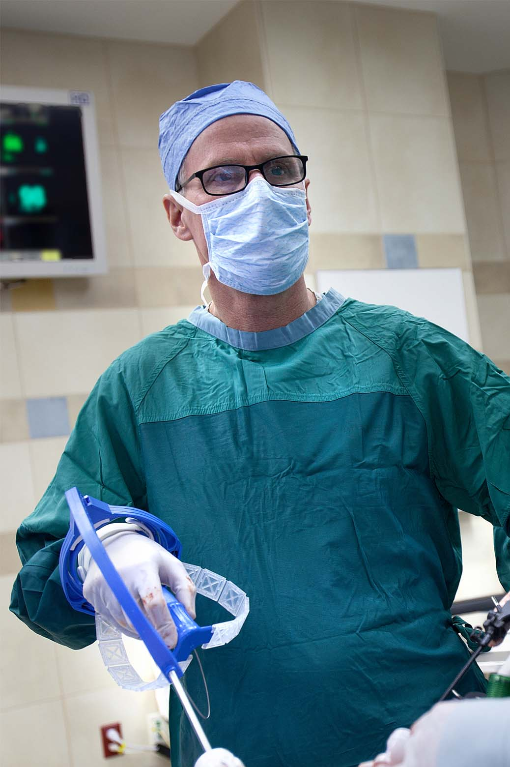 University of Michigan professor James Geiger uses a FlexDex instrument for the first time in a surgery at the University of Michigan Hospital.