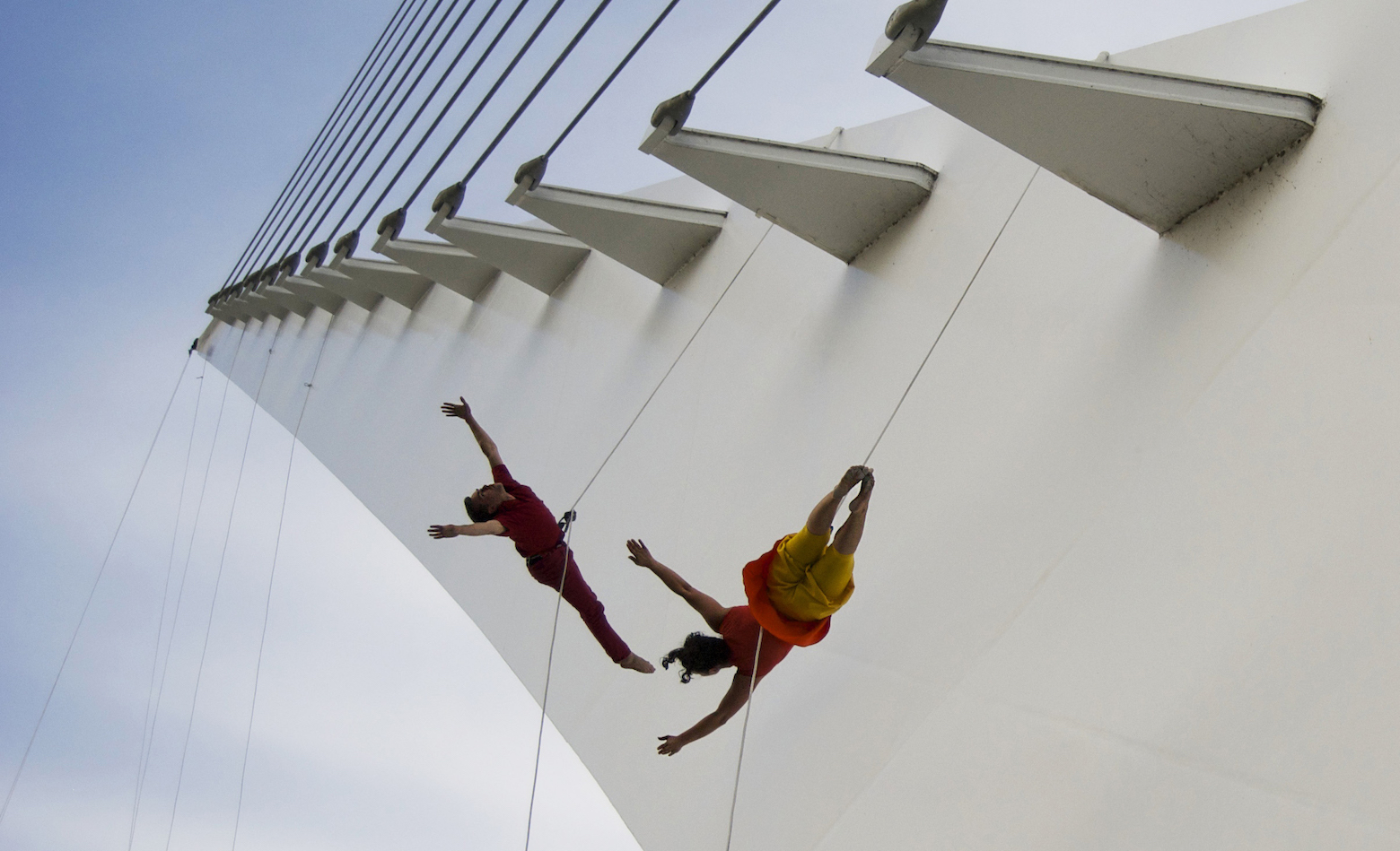 Bandaloop dancers on the Ann and Robert H. Lurie Tower.