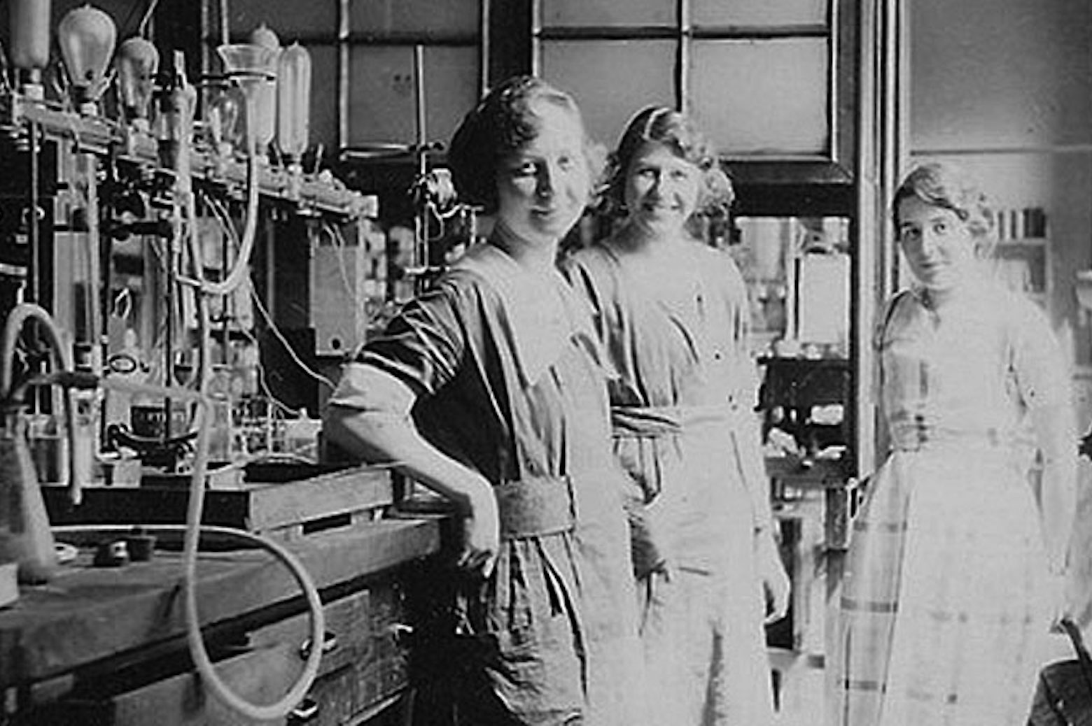coworkers in the GE Research Laboratory in the 1920s