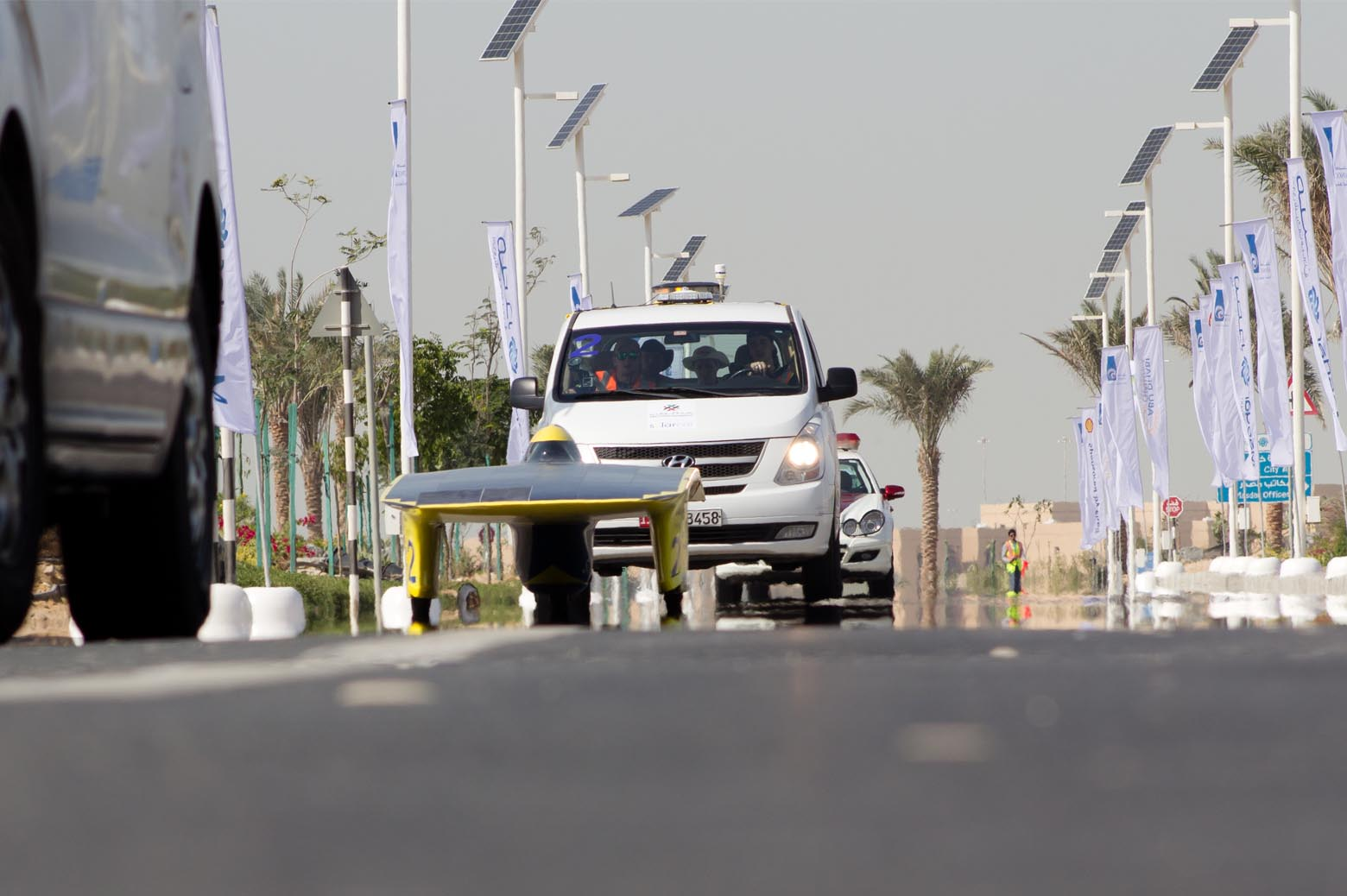 Quantum finishes a stage at the Abu Dhabi Solar Challenge.