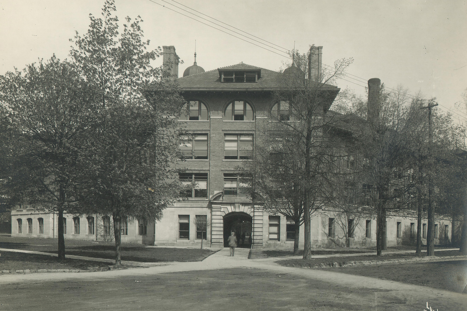 West Engineering Building in 1904