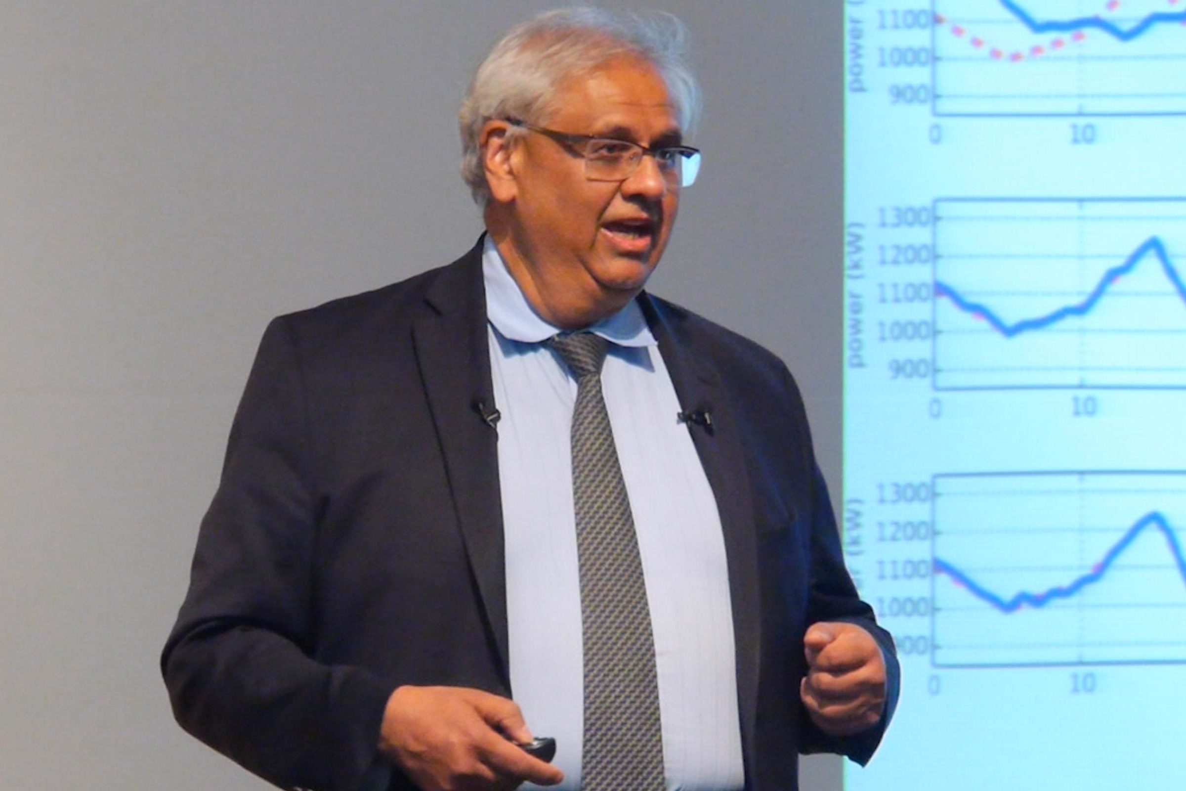 Dr. S. Shankar Sastry speaks before an audience.