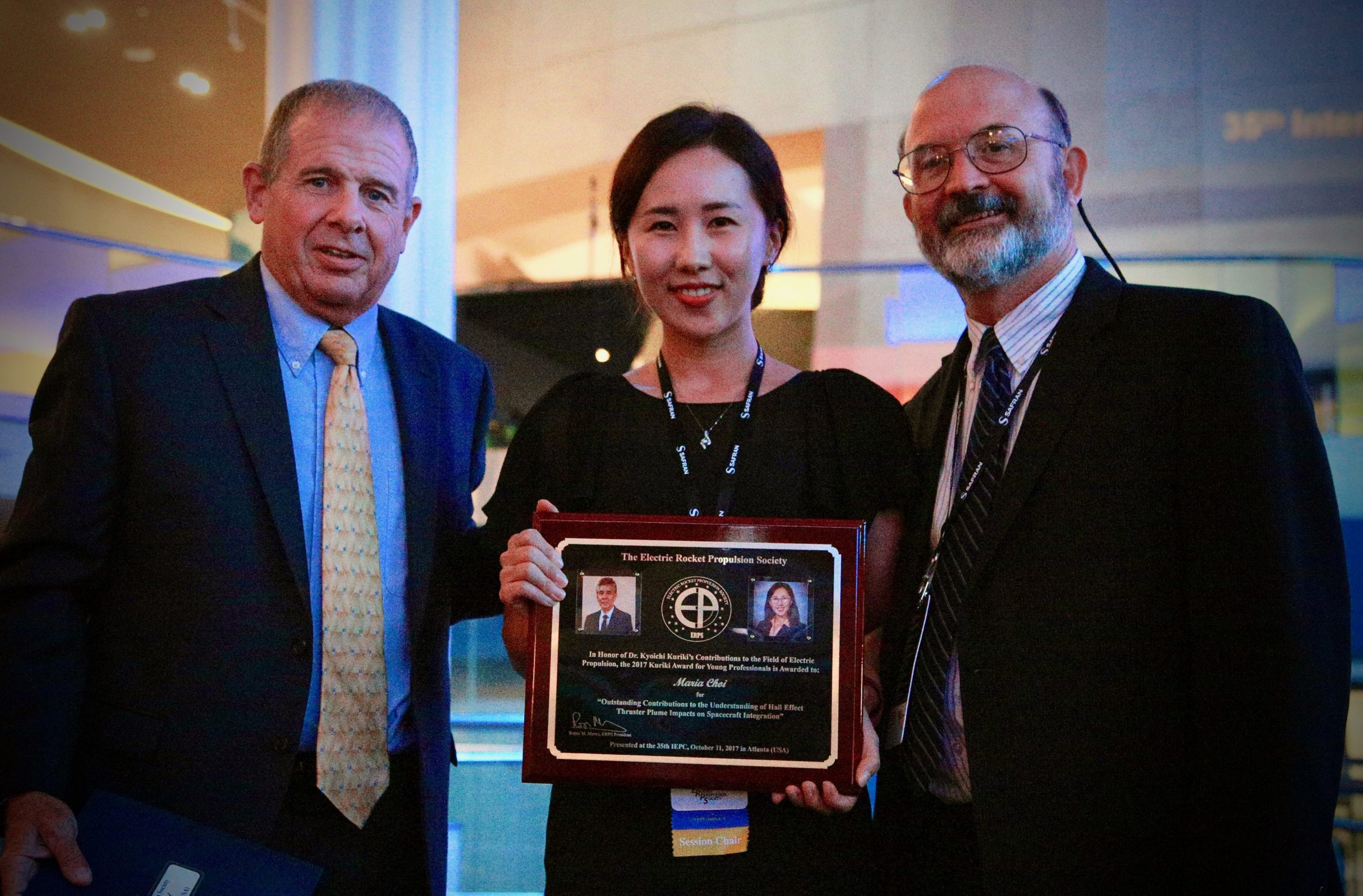 Dr. Maria Choi receiving the Kuriki Young Professionals Award in October 2017