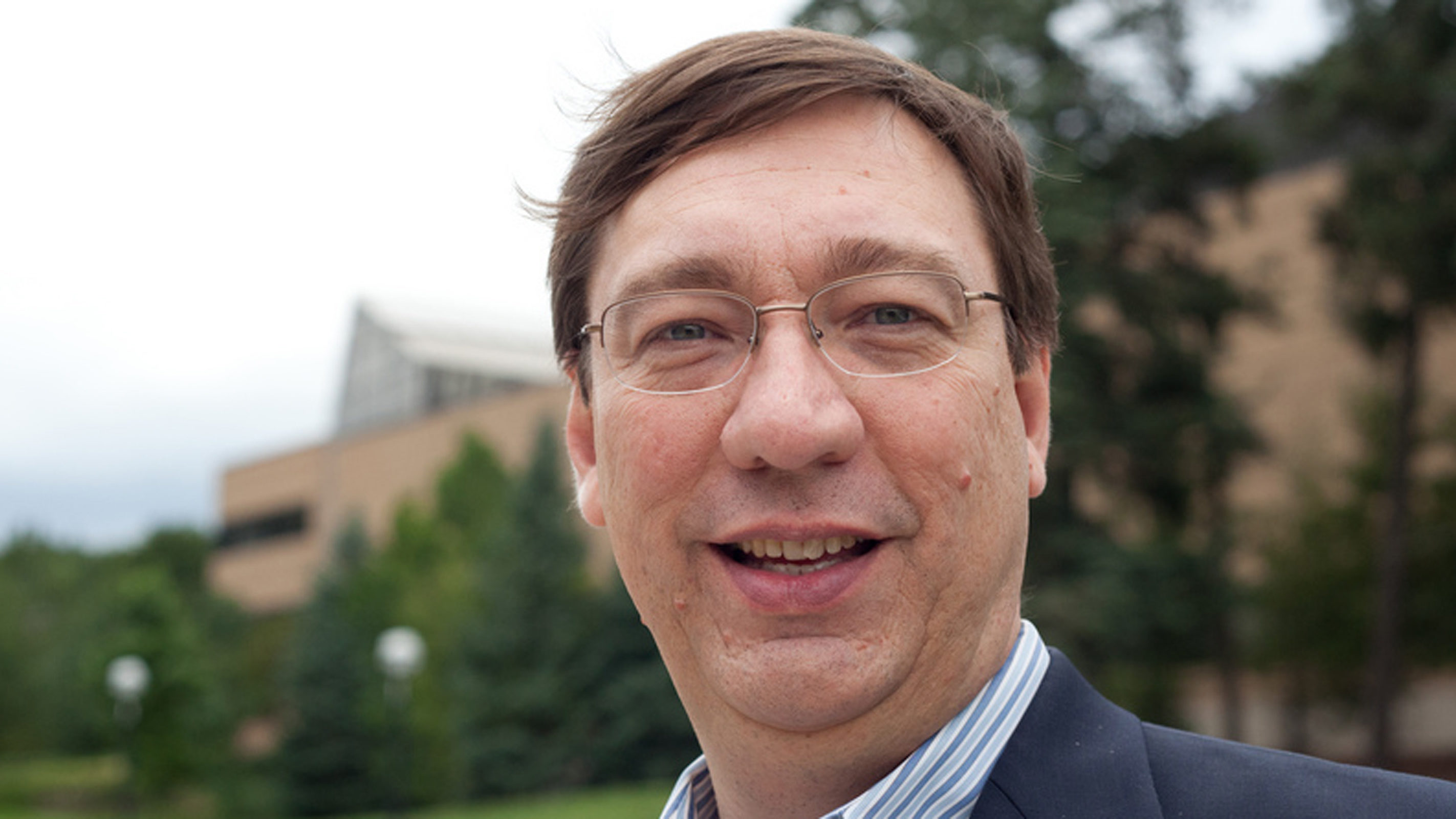Carlos Cesnik awarded 2017-18 Monroe-Brown Foundation Research Excellence Award