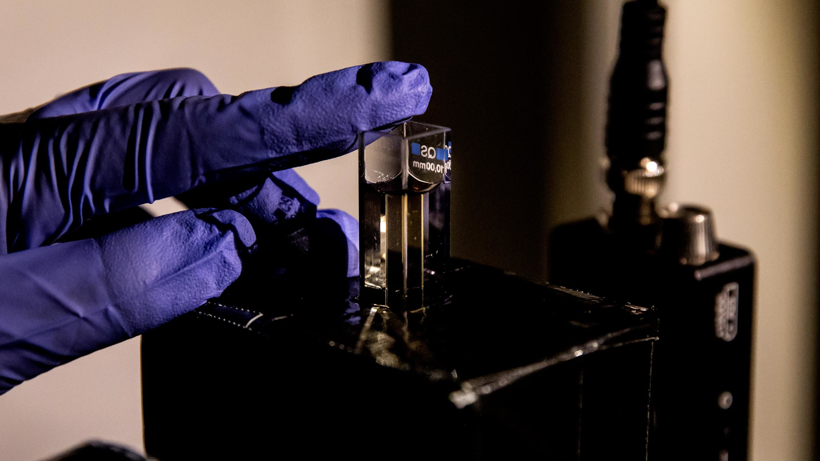 Holography and LIDAR on the cheap with nanoparticle gel