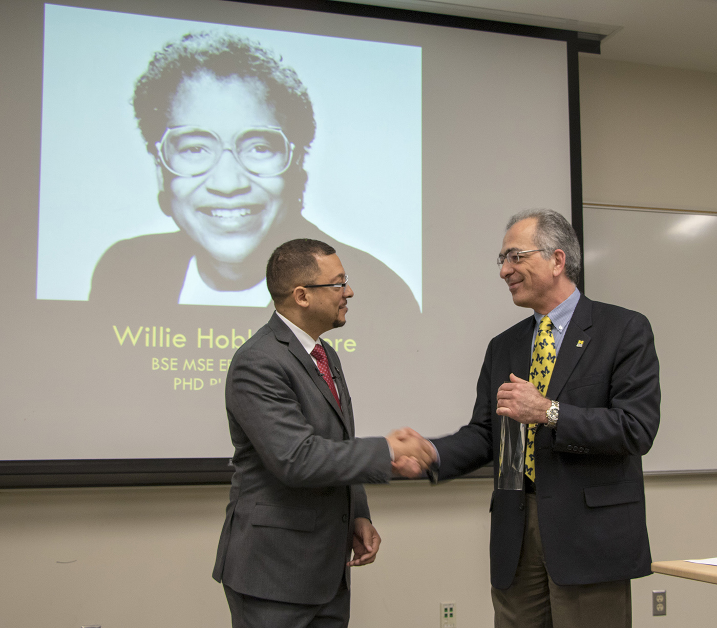 Dr. Isaac Porche receives award