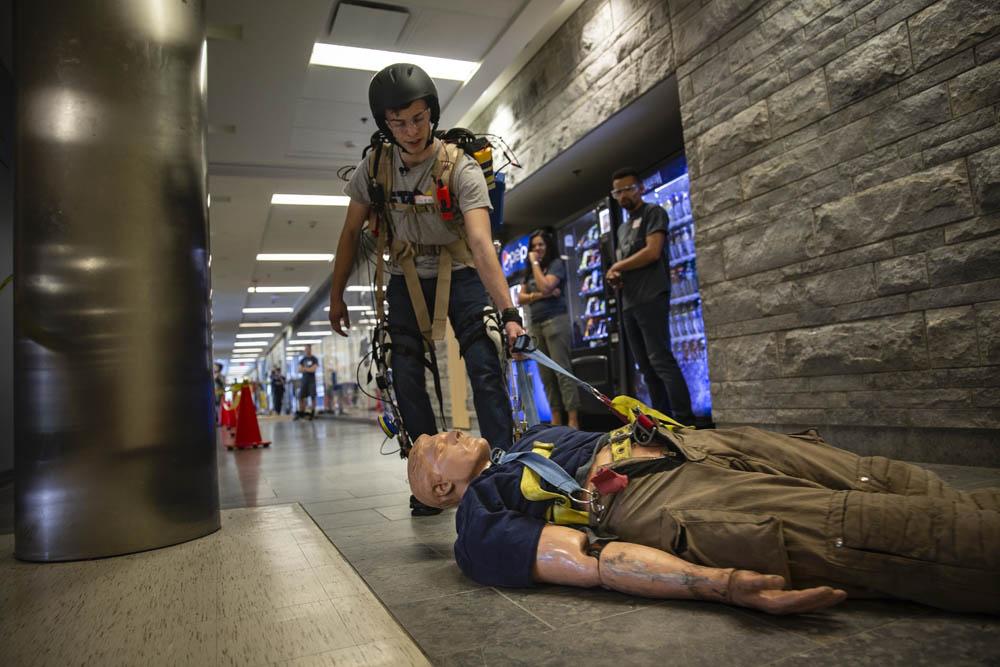 exoskeleton dragging dummy