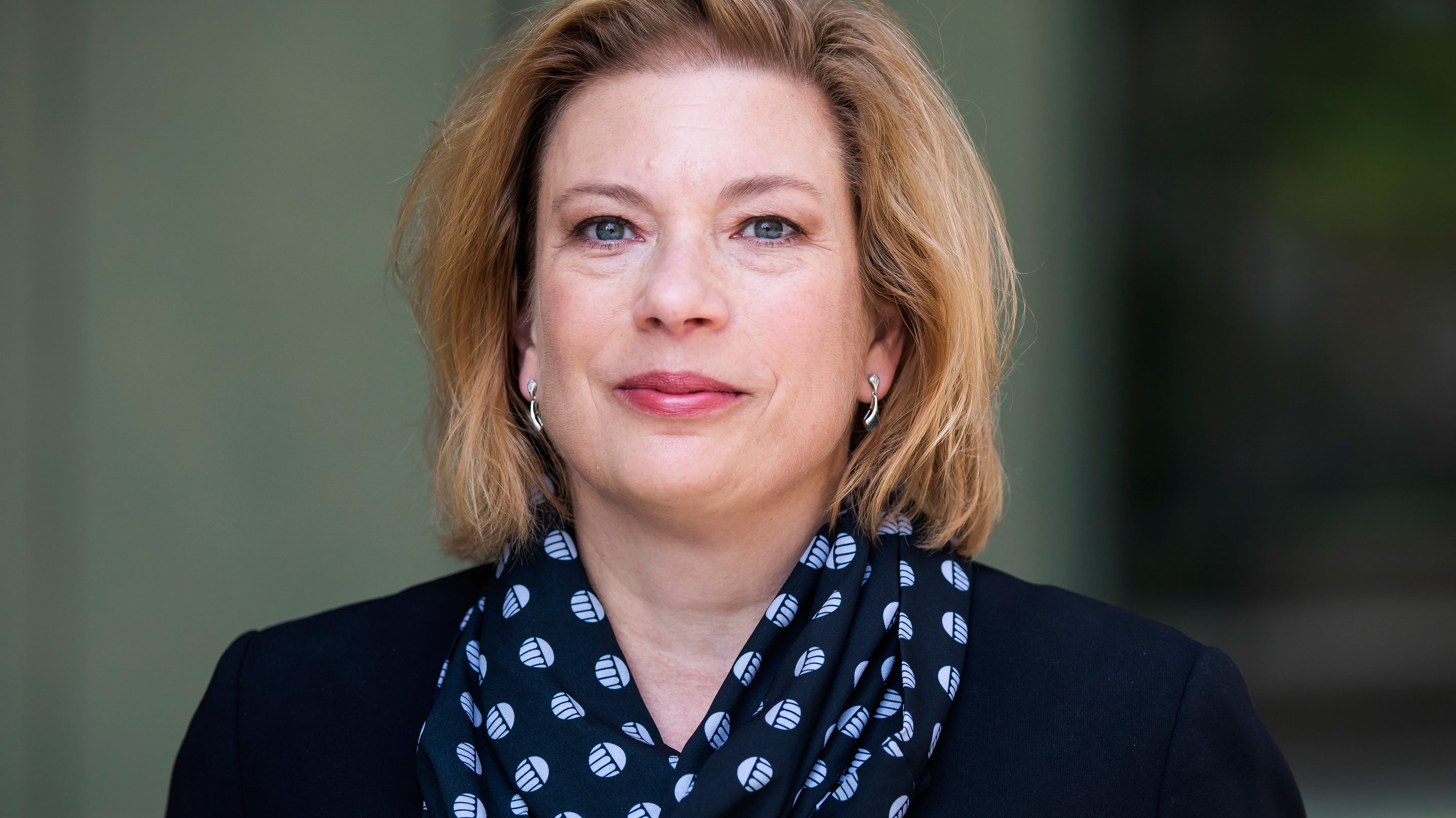 Portrait of Ellen Arruda