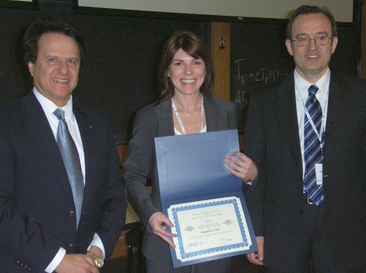 vitaz receives an award