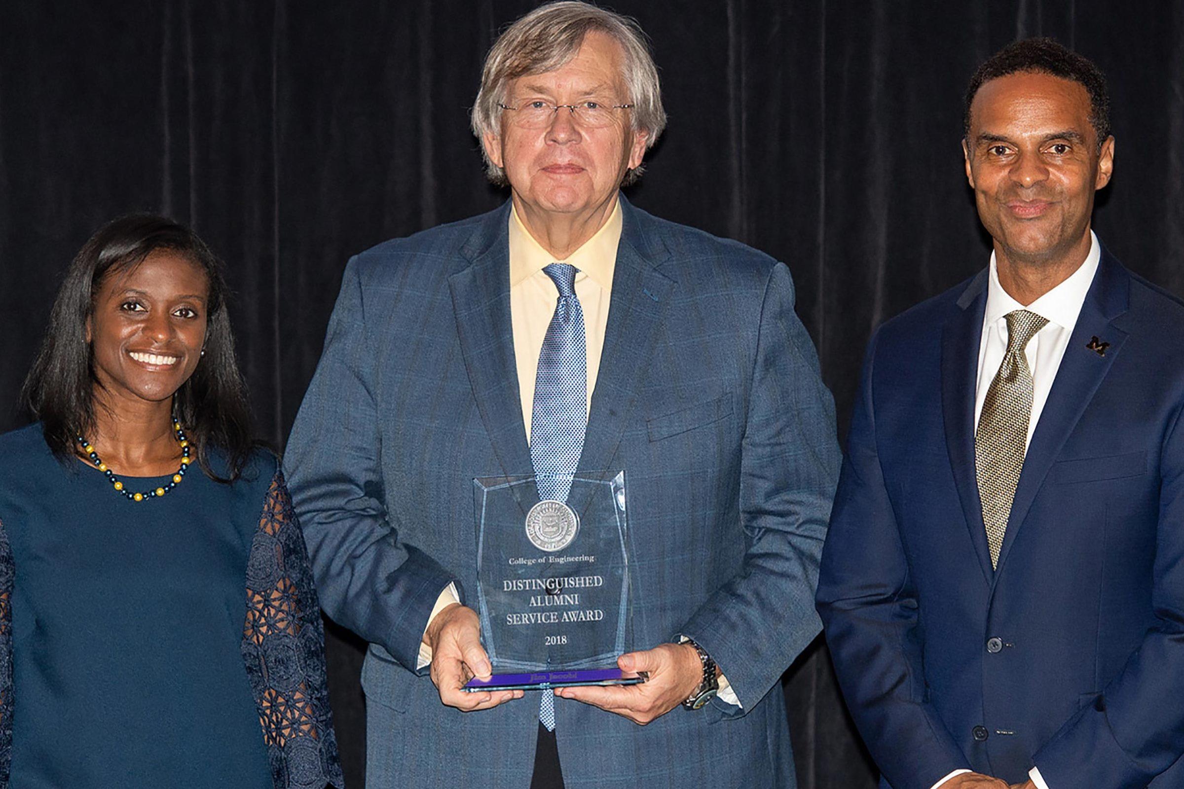 Virtual design and construction leader wins alumni Distinguished Service Award