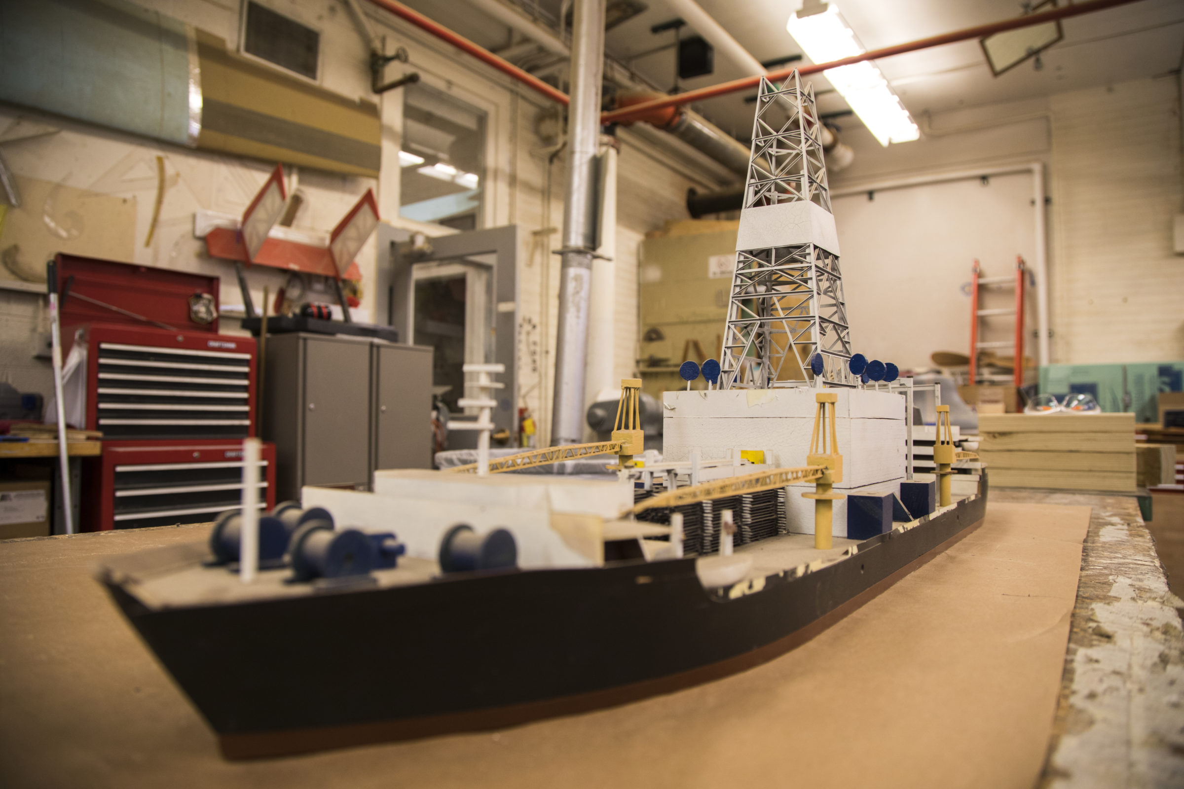 Model of Hughes Glomar Explorer at the Aaron Friedman Marine Hydrodynamics Lab