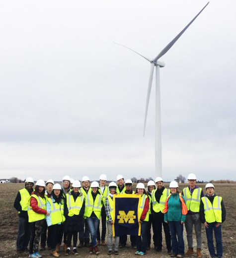 Mathieu-students-windfarm