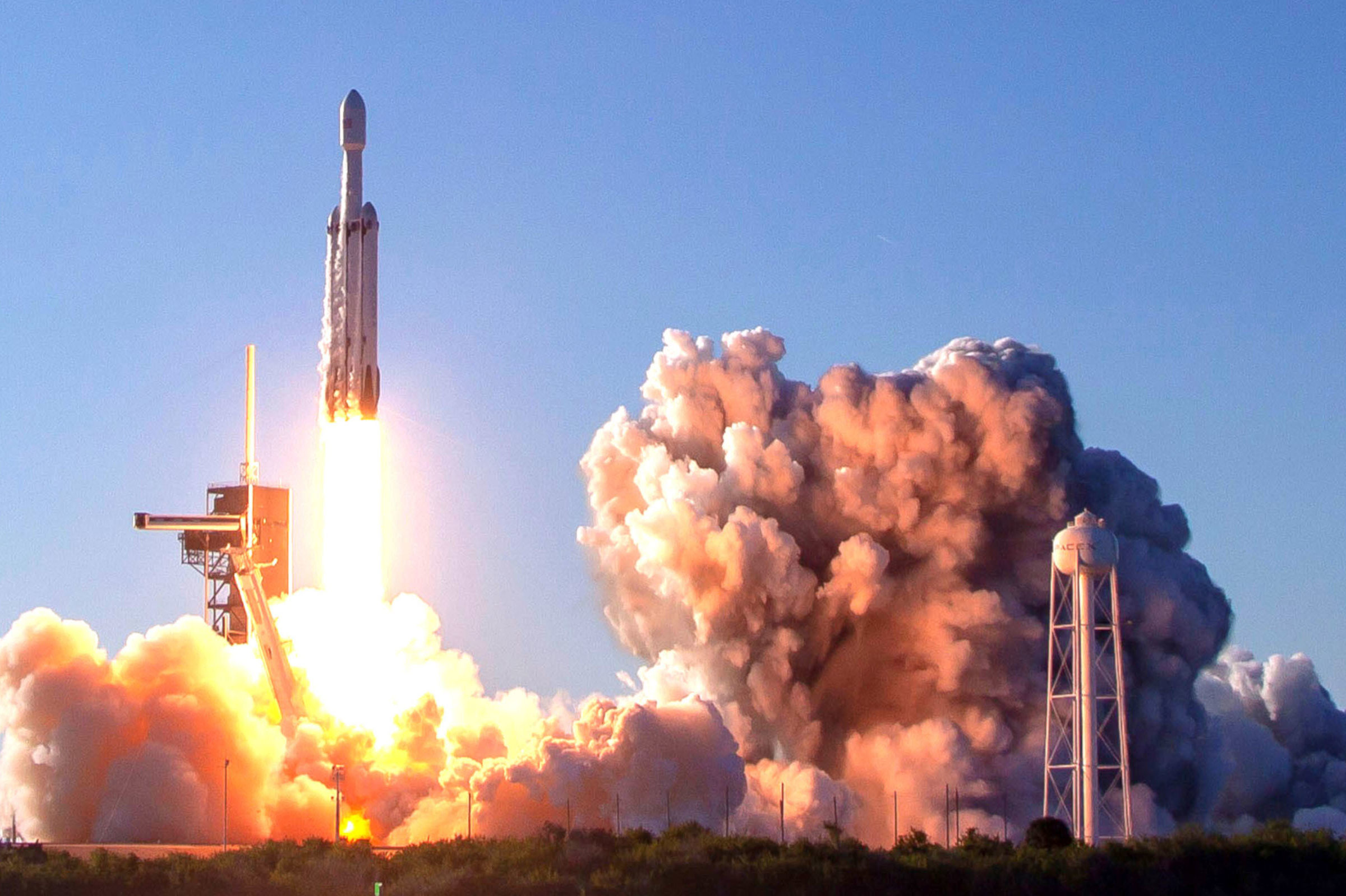 SpaceX's Falcon Heavy during launch