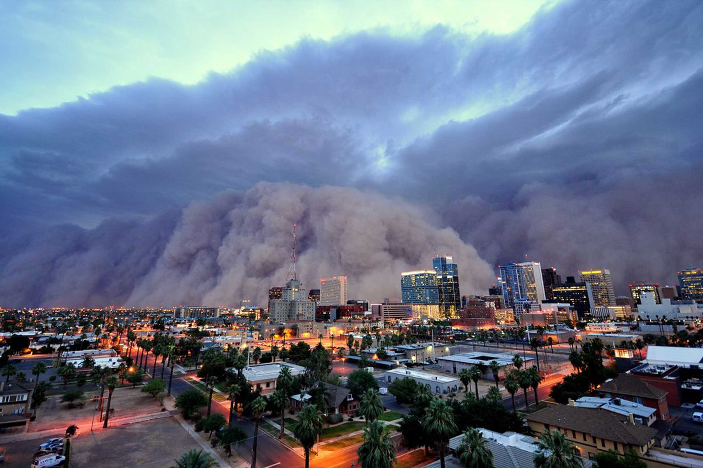 A dust storm in Phoenix, Arizona. Credit: Daniel J Bryant/Getty