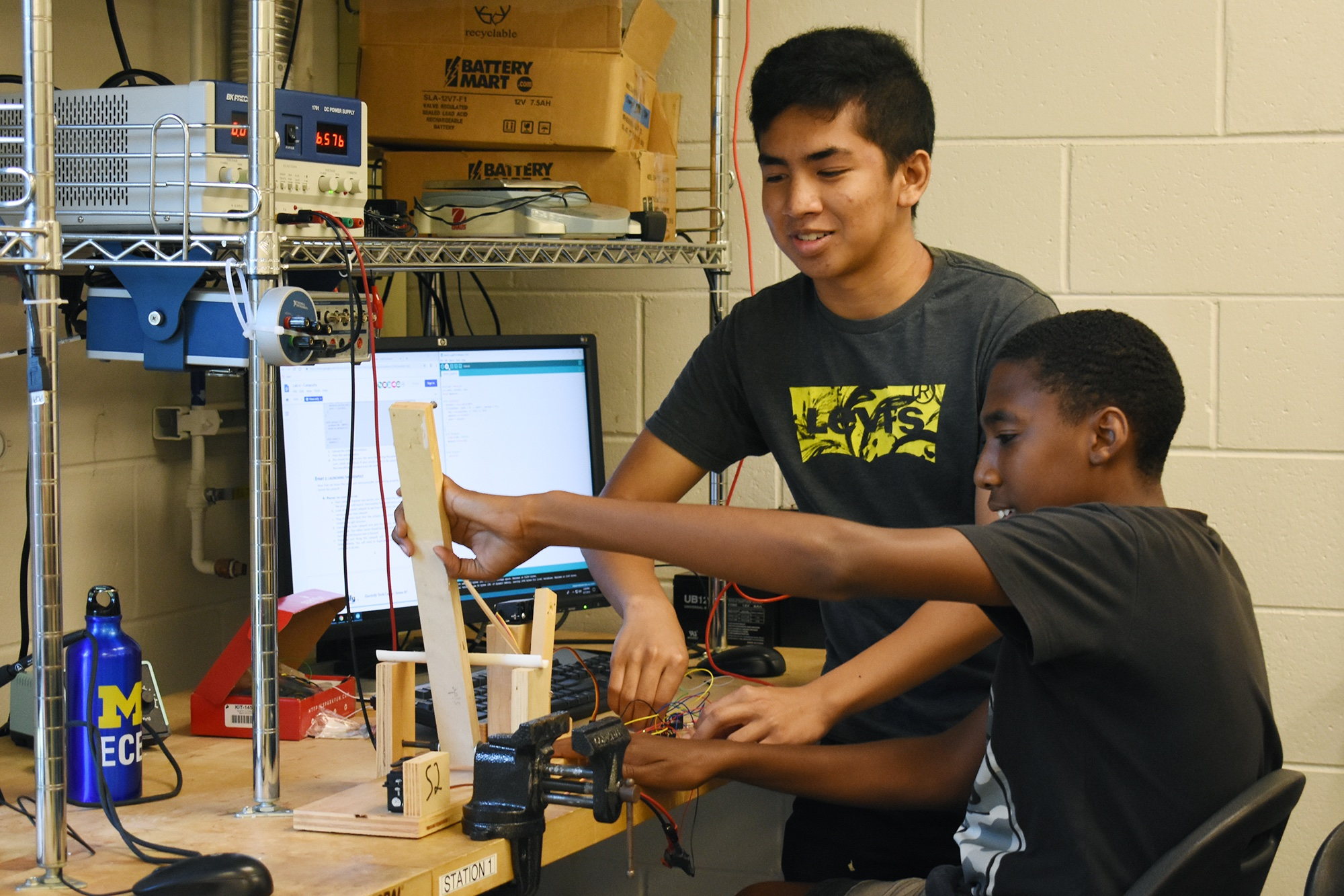 Students work in lab during Sense It (Detroit)
