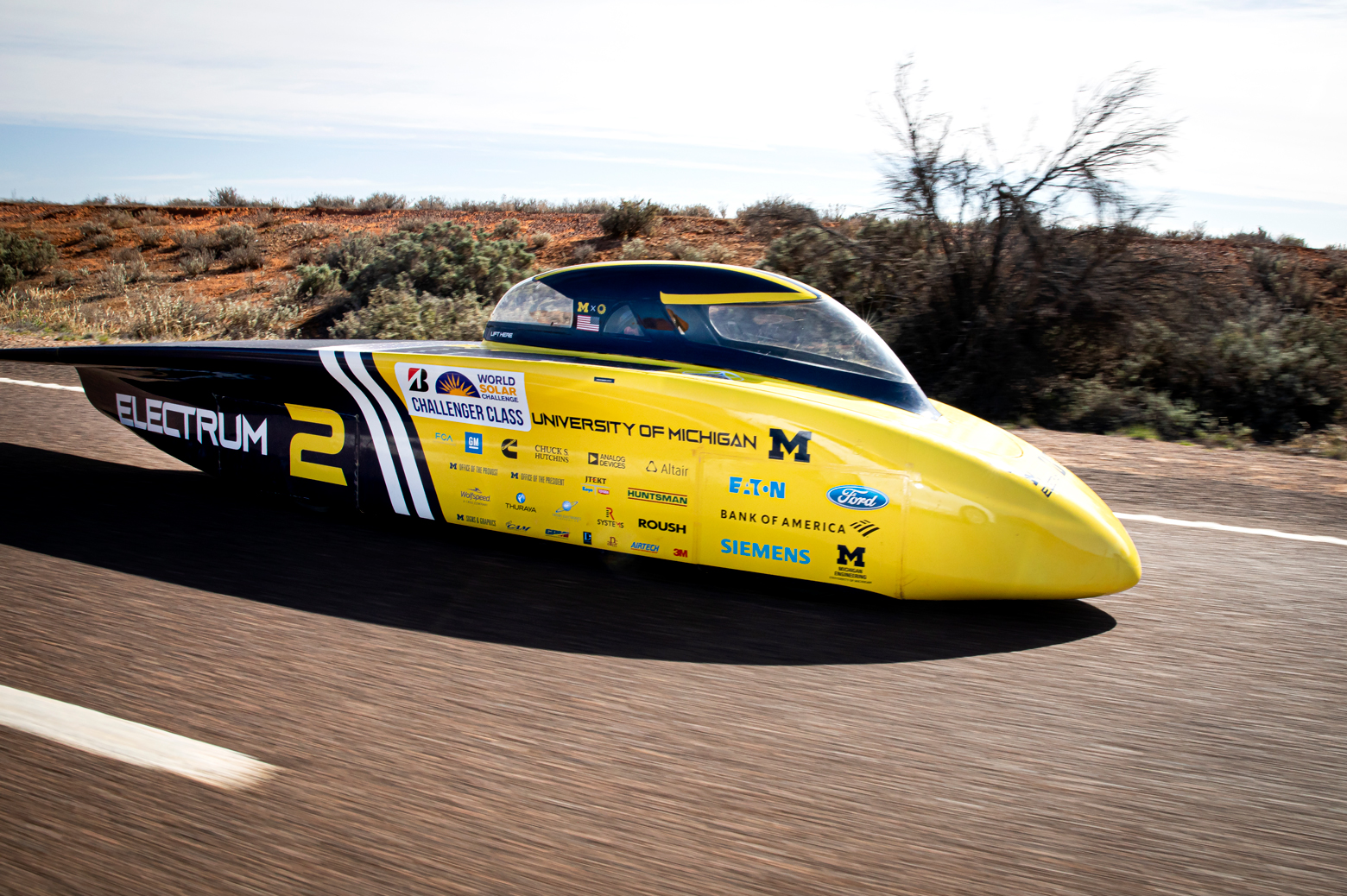 Electrum cruises down Australia's Stuart Highway in third place on the final day of racing. Photo: Joseph Xu/Michigan Engineering