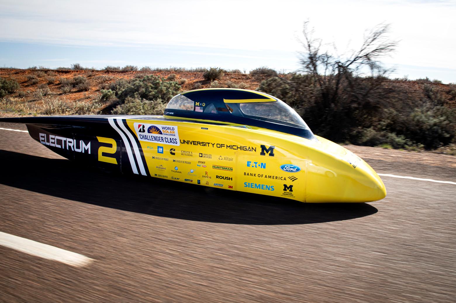 Electrum cruises down Australia's Stuart Highway in third place on the final day of racing. Photo: Joseph Xu/Michigan Engineering