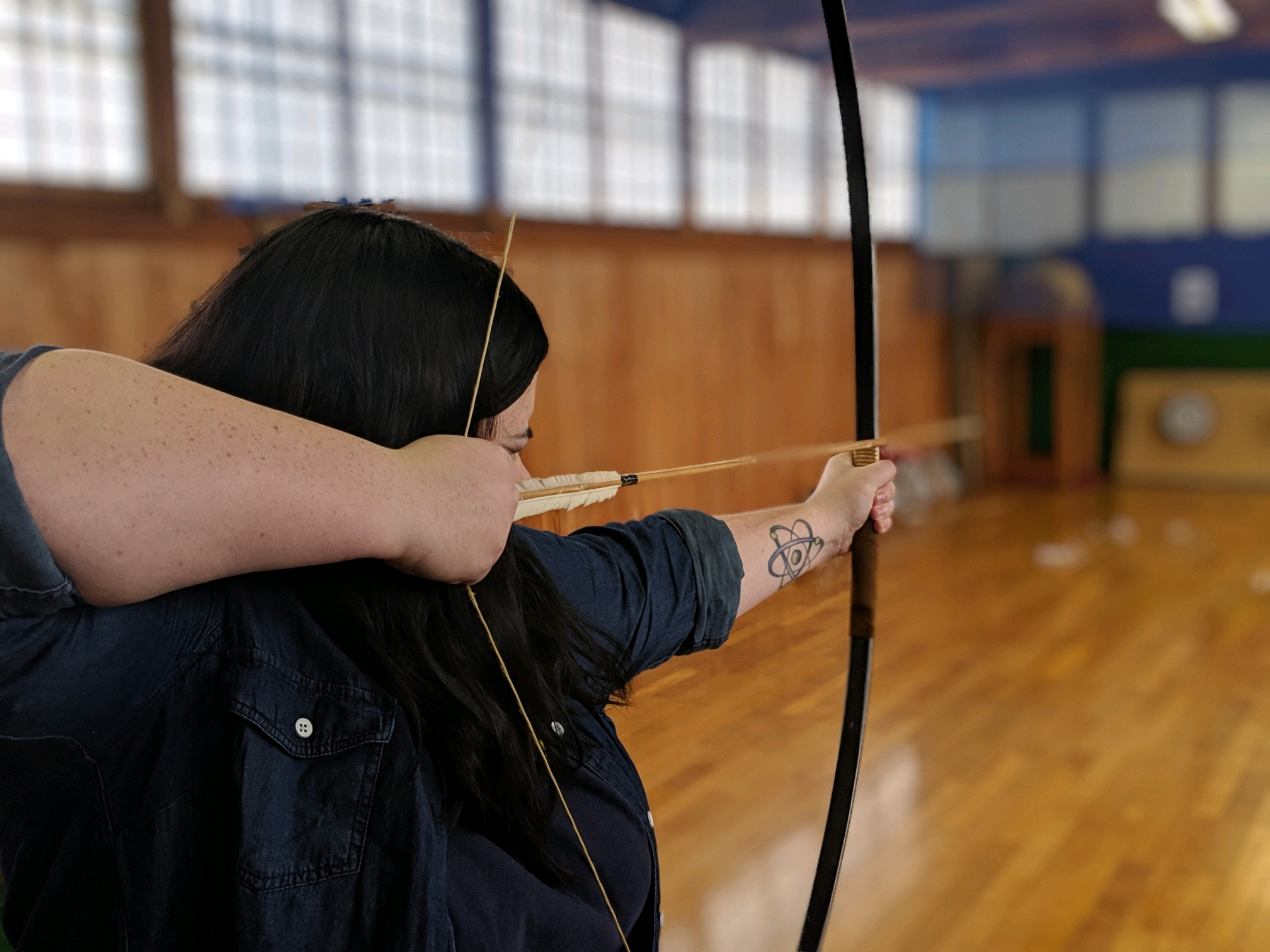 Mackenzie Warwick learns archery at a samurai school in Japan