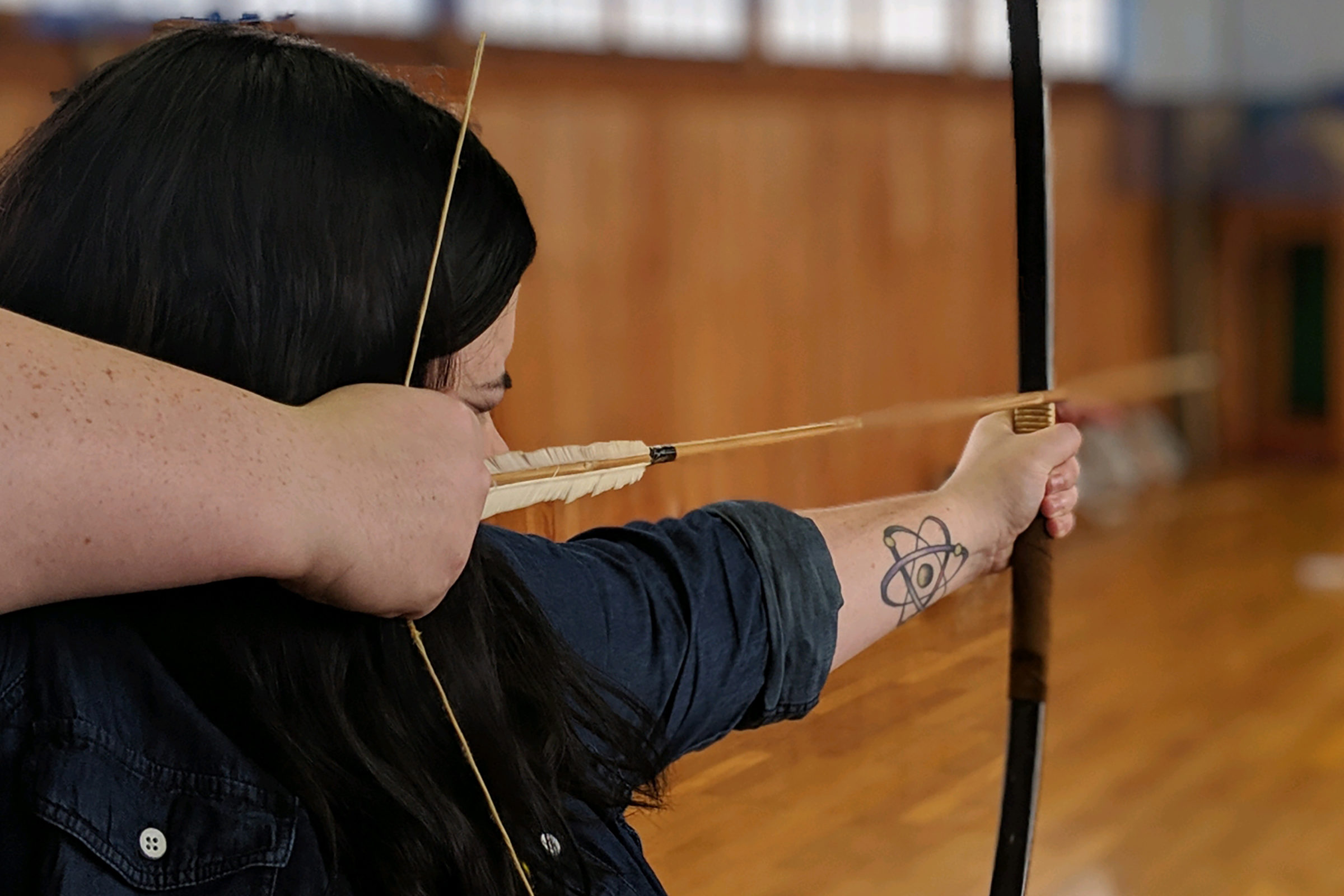 Mackenzie Warwick learns archery at a traditional Japanese samurai school.