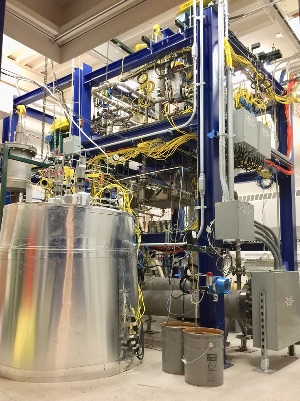 The experimental flow loop that will be used to emulate the cooling loop in a molten salt reactor